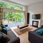 Great Gable Lodge - lounge with river view